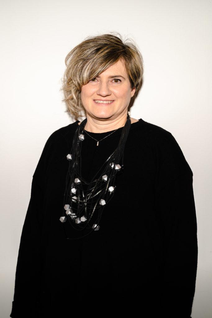 Michela Agostini file ricamo